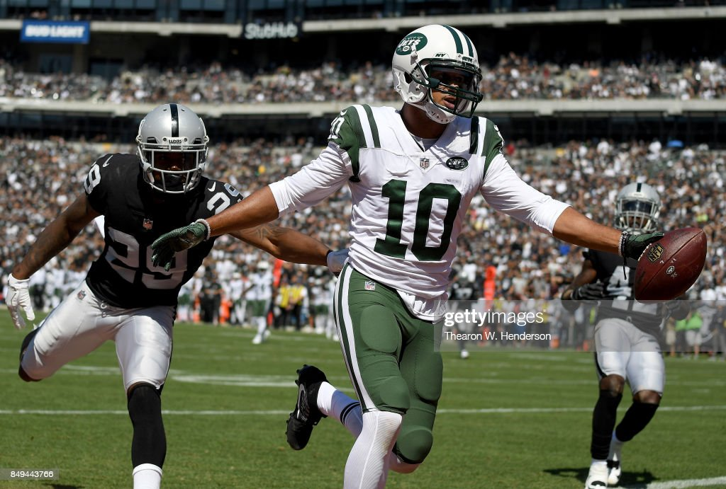 New York Jets v Oakland Raiders : News Photo