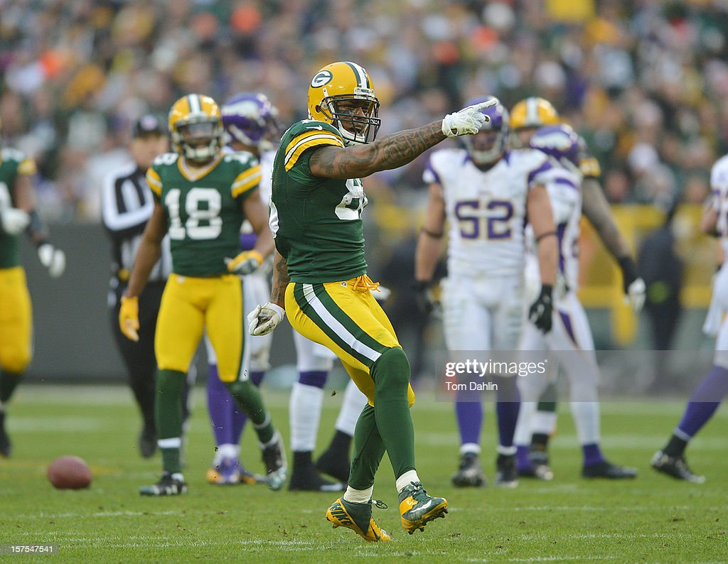 Jermichael Finley #88 of the Green Bay Packers celebrates after a catch for a first down during an NFL game against the Minnesota Vikings at Lambeau Field on December 2, 2012 in Green Bay, Wisconsin.