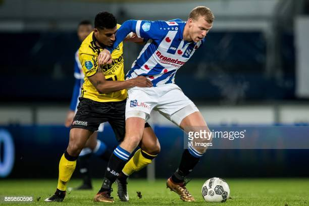Jerold Promes of VVV Henk Veerman of sc Heerenveen during the Dutch Eredivisie match between sc Heerenveen and VVV Venlo at Abe Lenstra Stadium on...