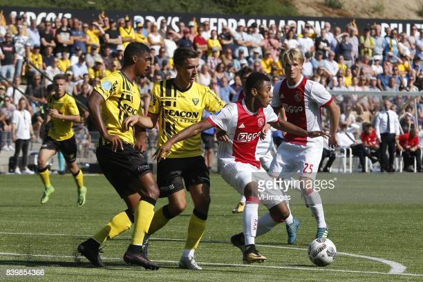 Jerold Promes of VVVVenlo Moreno Rutten of VVVVenlo David Neres of Ajax Kasper Dolberg of Ajax during the Dutch Eredivisie match between VVV Venlo...