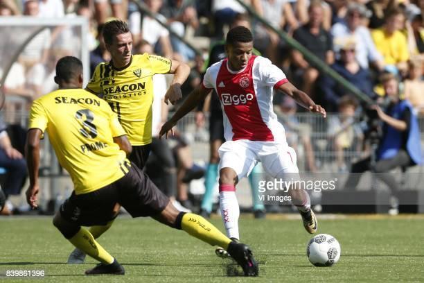 Jerold Promes of VVVVenlo Nils Roseler of VVVVenlo David Neres of Ajax during the Dutch Eredivisie match between VVV Venlo and Ajax Amsterdam at...