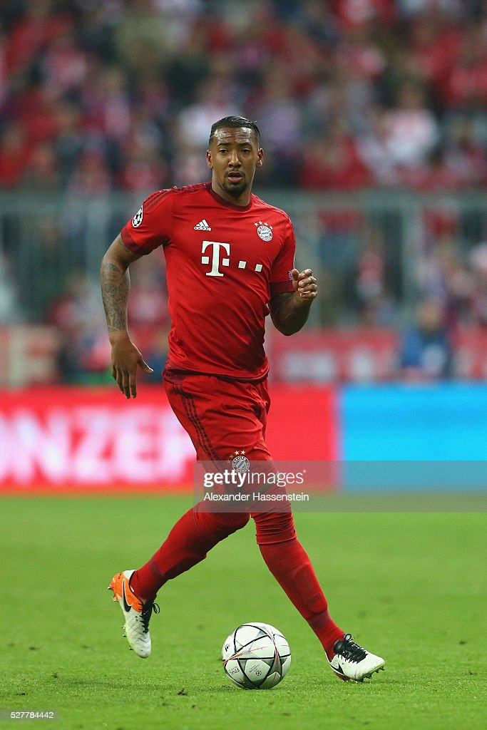 Jerome Boateng of Bayern Muenchen runs with the ball during the UEFA Champions League semi final second leg match between FC Bayern Muenchen and Club Atletico de Madrid at Allianz Arena on May 3, 2016 in Munich, Germany.