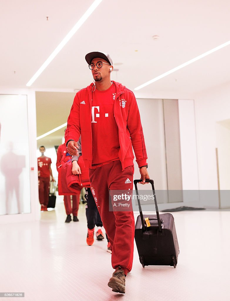 Jerome Boateng of Bayern Munich walks into the dressing rooms after warming up for the Bundesliga match between FC Bayern Muenchen and Borussia Moenchengladbach on April 30, 2016 in Munich, Bavaria.
