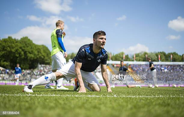 Jerome Gondorf of SV Darmstadt 98 warms up during the first bundesliga match between SV Darmstadt 98 and Borussia Moenchengladbach at MerckStadion am...
