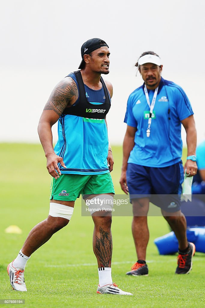 <a gi-track='captionPersonalityLinkClicked' href=/galleries/search?phrase=Jerome+Kaino&family=editorial&specificpeople=566976 ng-click='$event.stopPropagation()'>Jerome Kaino</a> and head coach <a gi-track='captionPersonalityLinkClicked' href=/galleries/search?phrase=Tana+Umaga&family=editorial&specificpeople=203218 ng-click='$event.stopPropagation()'>Tana Umaga</a> of the Blues look on during a Blues super rugby training session at Alexander Park on February 2, 2016 in Auckland, New Zealand.