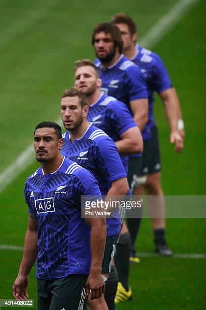 Jerome Kaino Luke Romano Kieran ReadSamuel Whitelock and Richie McCaw of the All Blacks during a New Zealand All Blacks training session at Mowden...