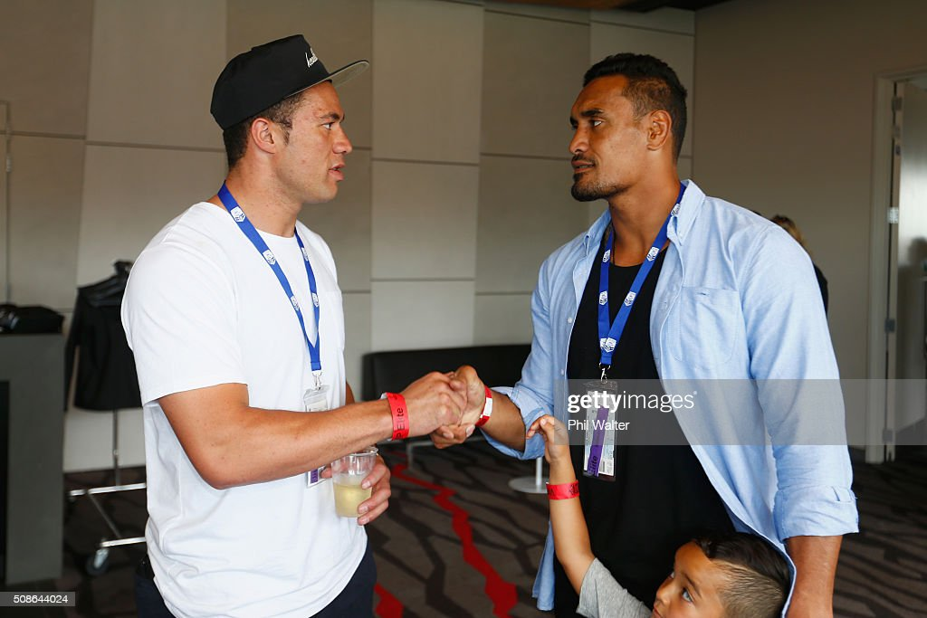 <a gi-track='captionPersonalityLinkClicked' href=/galleries/search?phrase=Jerome+Kaino&family=editorial&specificpeople=566976 ng-click='$event.stopPropagation()'>Jerome Kaino</a> of the All Blacks (L) chats with boxer Joseph Parker (R) during the 2016 NRL Auckland Nines at Eden Park on February 6, 2016 in Auckland, New Zealand.