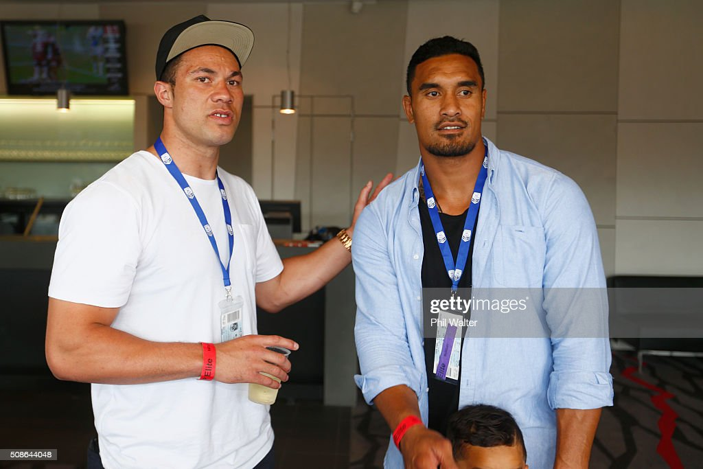 Jerome Kaino of the All Blacks (L) chats with boxer Joseph Parker (R) during the 2016 NRL Auckland Nines at Eden Park on February 6, 2016 in Auckland, New Zealand.