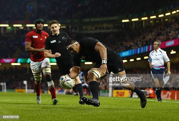 Jerome Kaino of the New Zealand All Blacks touches down to score his team's fifth try during the 2015 Rugby World Cup Quarter Final match between New...