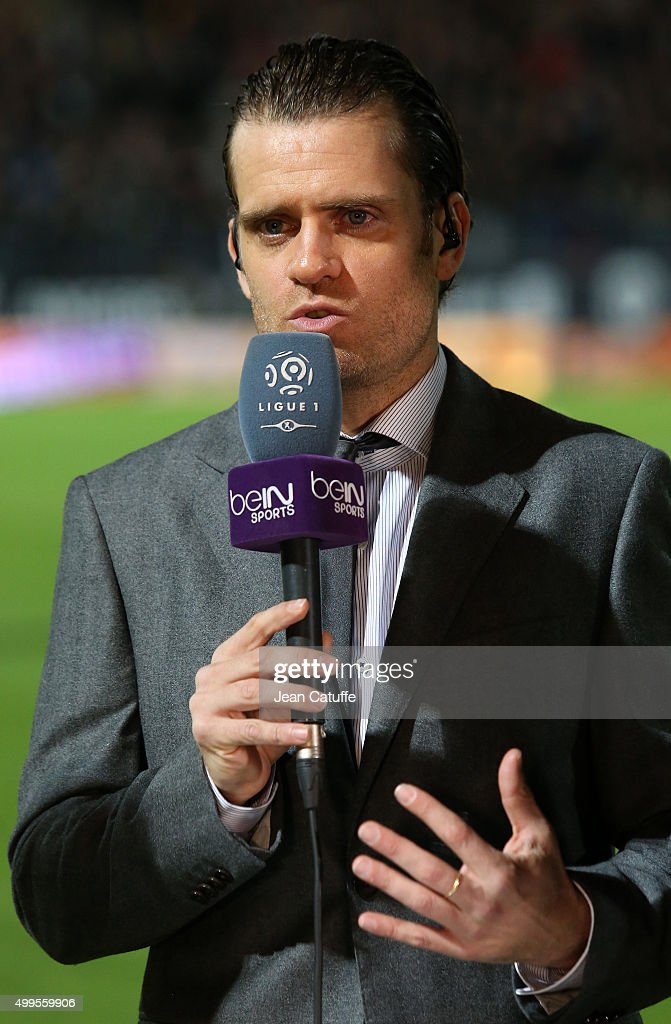 <a gi-track='captionPersonalityLinkClicked' href=/galleries/search?phrase=Jerome+Rothen&family=editorial&specificpeople=641568 ng-click='$event.stopPropagation()'>Jerome Rothen</a> comments for beIN Sport the French Ligue 1 match between Angers SCO and Paris Saint-Germain (PSG) at Stade Jean Bouin on December 1, 2015 in Angers, France.