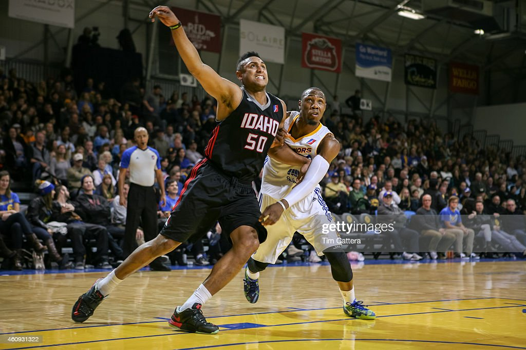 Jerrelle Benimon of the Idaho Stampede plays defense against Dominique Sutton of the Santa Cruz Warriors during an NBA DLeague game on December 27...