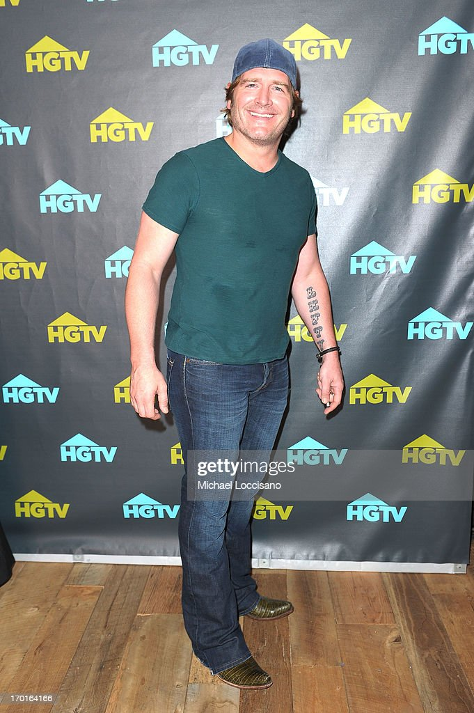 Jerrod Niemann attends HGTV'S The Lodge At CMA Music Fest - Day 3 on June 8, 2013 in Nashville, Tennessee.