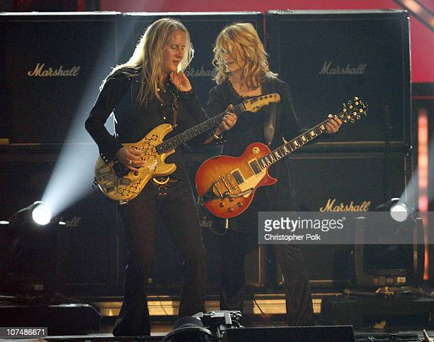 Jerry Cantrell of Alice in Chains performs with Nancy Wilson of Heart
