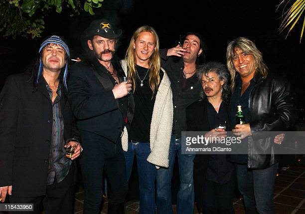 Jerry Cantrell with Sean Kinney and the Motorhead band