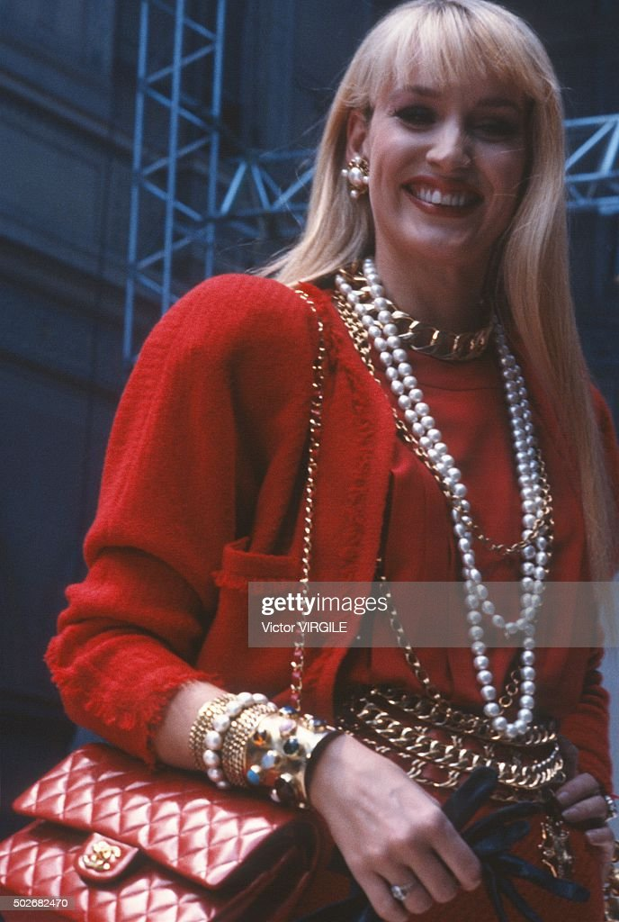 Jerry Hall walks the runway during the Chanel Haute Couture show as part of Paris Fashion Week Fall/Winter 1986-1987 in July, 1986 in Paris, France.