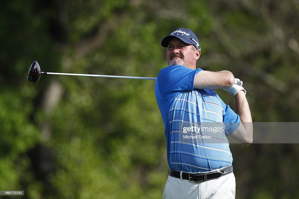 <a gi-track='captionPersonalityLinkClicked' href=/galleries/search?phrase=Jerry+Kelly&family=editorial&specificpeople=208250 ng-click='$event.stopPropagation()'>Jerry Kelly</a> hits a drive during the second round of the Valero Texas Open held at the AT&T Oaks Course at TPC San Antonio on April 5, 2013 in San Antonio, Texas.