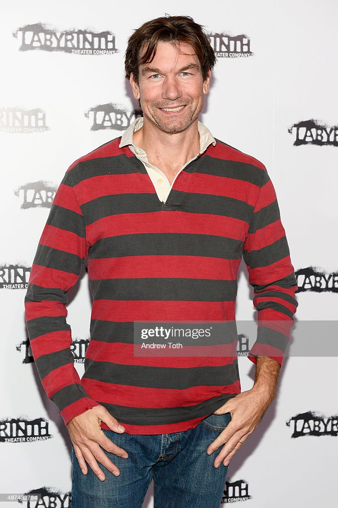 Jerry O'Connell attends the Labyrinth Theater Company's Celebrity Charades Gala 2015 on November 16, 2015 in New York City.