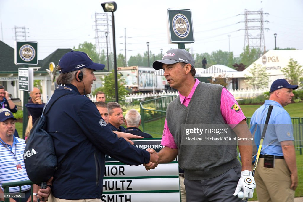 <a gi-track='captionPersonalityLinkClicked' href=/galleries/search?phrase=Jerry+Smith+-+Golfer&family=editorial&specificpeople=4521292 ng-click='$event.stopPropagation()'>Jerry Smith</a> shakes hand with a volunteer during the first round for the 77th Senior PGA Championship presented by KitchenAid held at Harbor Shores Golf Club on May 26, 2016 in Benton Harbor, Michigan.