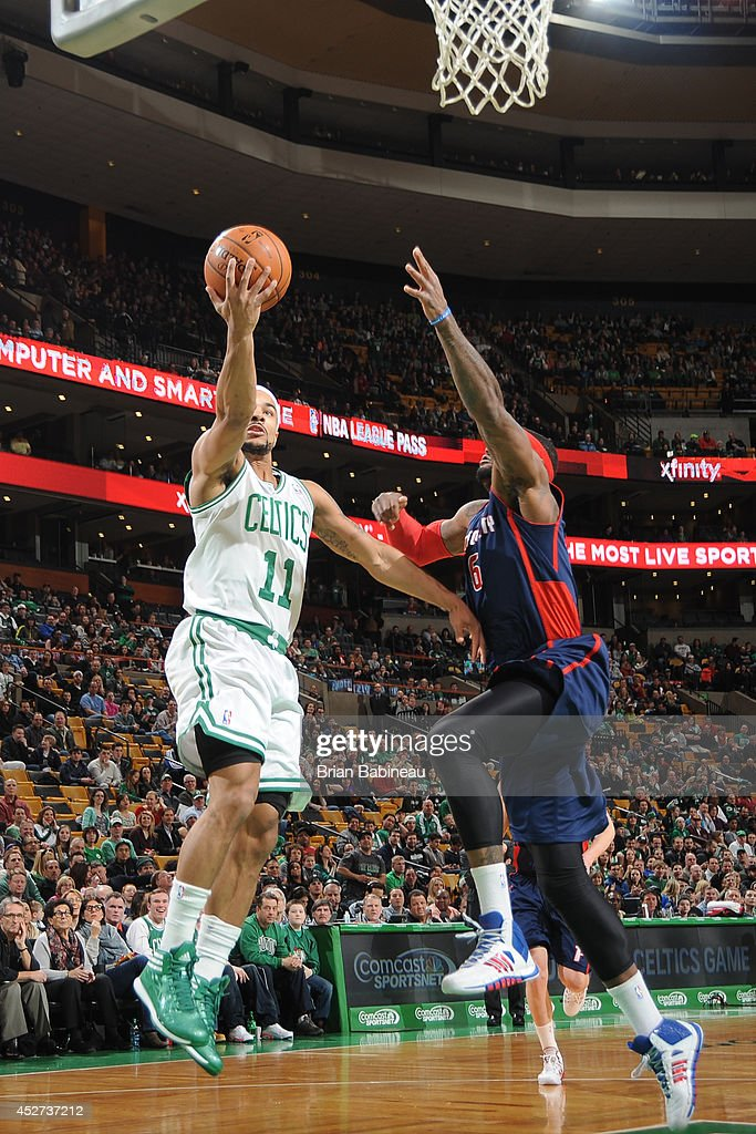 <a gi-track='captionPersonalityLinkClicked' href=/galleries/search?phrase=Jerryd+Bayless&family=editorial&specificpeople=4216027 ng-click='$event.stopPropagation()'>Jerryd Bayless</a> #11 of the Boston Celtics goes up for a shot against the Detroit Pistons on March 9, 2014 at the TD Garden in Boston, Massachusetts.
