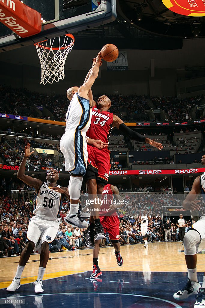 <a gi-track='captionPersonalityLinkClicked' href=/galleries/search?phrase=Jerryd+Bayless&family=editorial&specificpeople=4216027 ng-click='$event.stopPropagation()'>Jerryd Bayless</a> #7 of the Memphis Grizzlies blocks <a gi-track='captionPersonalityLinkClicked' href=/galleries/search?phrase=Ray+Allen&family=editorial&specificpeople=201511 ng-click='$event.stopPropagation()'>Ray Allen</a> #34 of the Miami Heat on November 11, 2012 at FedExForum in Memphis, Tennessee.