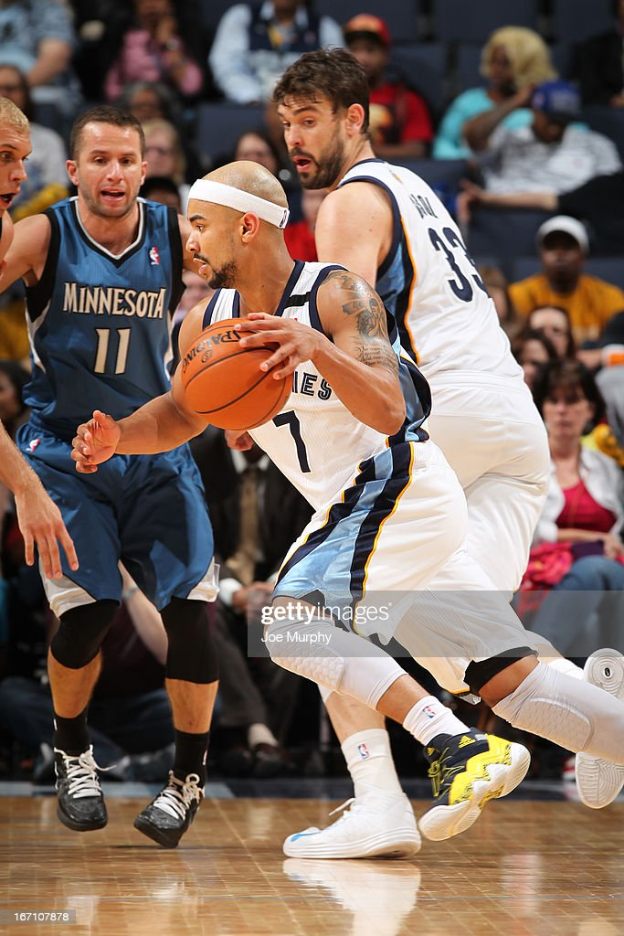 <a gi-track='captionPersonalityLinkClicked' href=/galleries/search?phrase=Jerryd+Bayless&family=editorial&specificpeople=4216027 ng-click='$event.stopPropagation()'>Jerryd Bayless</a> #7 of the Memphis Grizzlies drives against the Minnesota Timberwolves on March 18, 2013 at FedExForum in Memphis, Tennessee.
