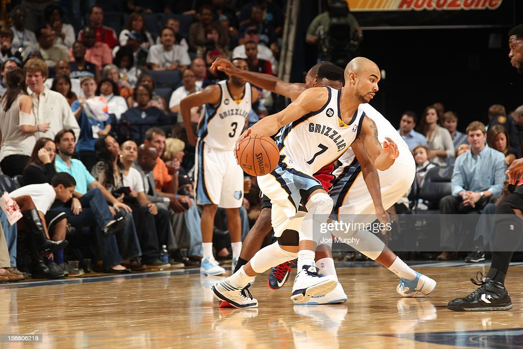 <a gi-track='captionPersonalityLinkClicked' href=/galleries/search?phrase=Jerryd+Bayless&family=editorial&specificpeople=4216027 ng-click='$event.stopPropagation()'>Jerryd Bayless</a> #7 of the Memphis Grizzlies drives to the basket against the Miami Heat on November 11, 2012 at FedExForum in Memphis, Tennessee.