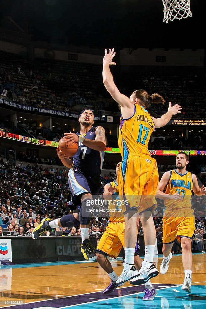 <a gi-track='captionPersonalityLinkClicked' href=/galleries/search?phrase=Jerryd+Bayless&family=editorial&specificpeople=4216027 ng-click='$event.stopPropagation()'>Jerryd Bayless</a> #7 of the Memphis Grizzlies drives to the basket against Lou Amundson #17 of the New Orleans Hornets on March 22, 2013 at the New Orleans Arena in New Orleans, Louisiana.