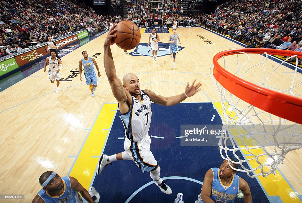 Jerryd Bayless #7 of the Memphis Grizzlies dunks against the Denver Nuggets on December 29, 2012 at FedExForum in Memphis, Tennessee.
