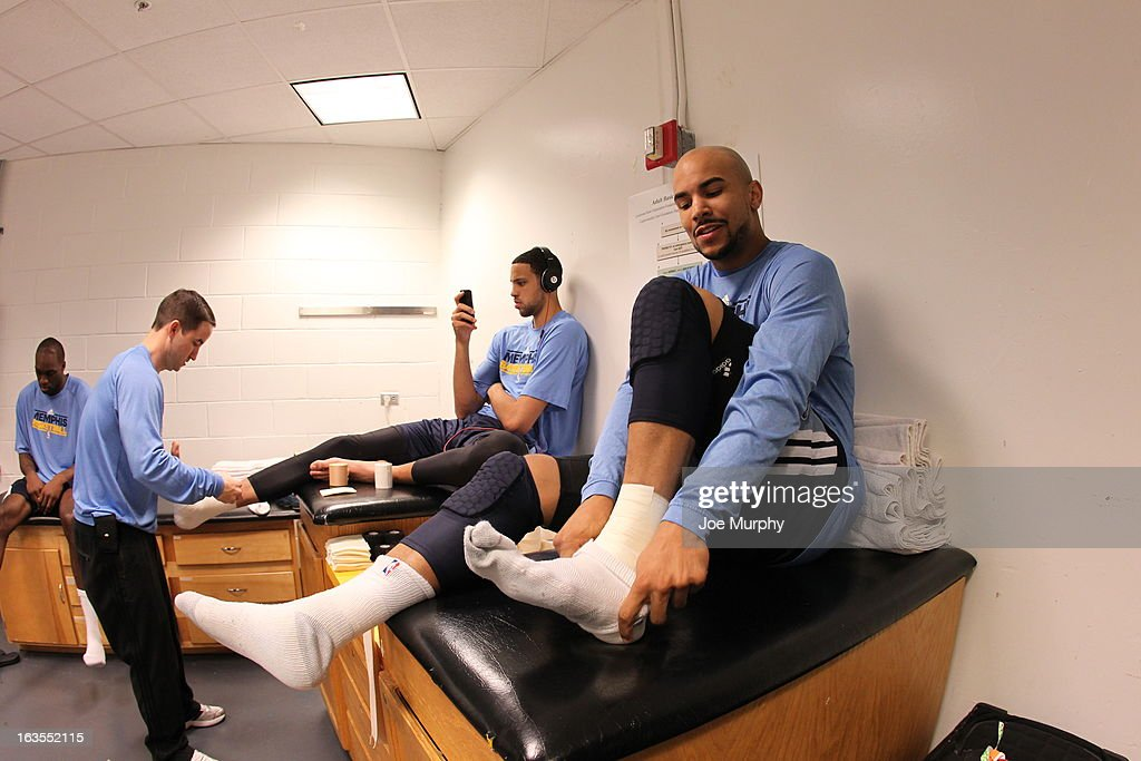 <a gi-track='captionPersonalityLinkClicked' href=/galleries/search?phrase=Jerryd+Bayless&family=editorial&specificpeople=4216027 ng-click='$event.stopPropagation()'>Jerryd Bayless</a> #7 of the Memphis Grizzlies gets ready for the game against the Miami Heat on March 1, 2013 at American Airlines Arena in Miami, Florida.