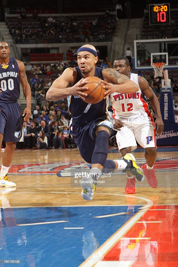 Jerryd Bayless #7 of the Memphis Grizzlies goes to the basket against the Detroit Pistons on February 19, 2013 at The Palace of Auburn Hills in Auburn Hills, Michigan.