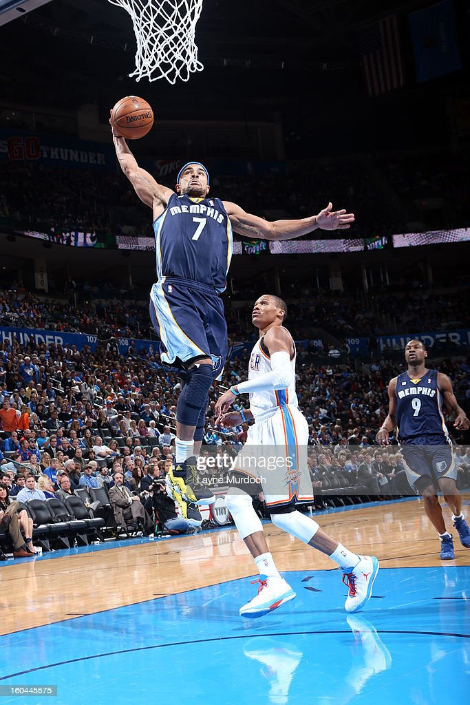 Jerryd Bayless #7 of the Memphis Grizzlies goes up for the slam dunk against the Oklahoma City Thunder during an NBA game on January 31, 2013 at the Chesapeake Energy Arena in Oklahoma City, Oklahoma.