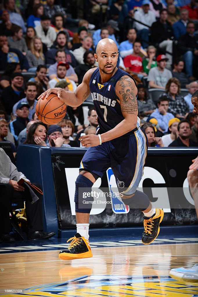 <a gi-track='captionPersonalityLinkClicked' href=/galleries/search?phrase=Jerryd+Bayless&family=editorial&specificpeople=4216027 ng-click='$event.stopPropagation()'>Jerryd Bayless</a> #7 of the Memphis Grizzlies handles the ball against the Denver Nuggets on December 14, 2012 at the Pepsi Center in Denver, Colorado.