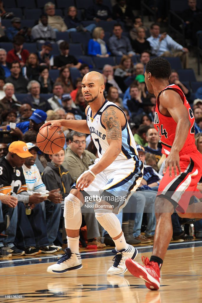 <a gi-track='captionPersonalityLinkClicked' href=/galleries/search?phrase=Jerryd+Bayless&family=editorial&specificpeople=4216027 ng-click='$event.stopPropagation()'>Jerryd Bayless</a> #7 of the Memphis Grizzlies looks to drive to the basket against the Portland Trail Blazers on January 4, 2013 at FedExForum in Memphis, Tennessee.