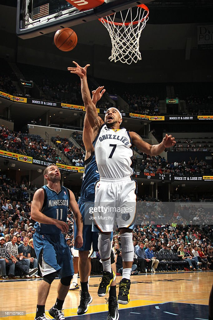 <a gi-track='captionPersonalityLinkClicked' href=/galleries/search?phrase=Jerryd+Bayless&family=editorial&specificpeople=4216027 ng-click='$event.stopPropagation()'>Jerryd Bayless</a> #7 of the Memphis Grizzlies shoots against the Minnesota Timberwolves on March 18, 2013 at FedExForum in Memphis, Tennessee.