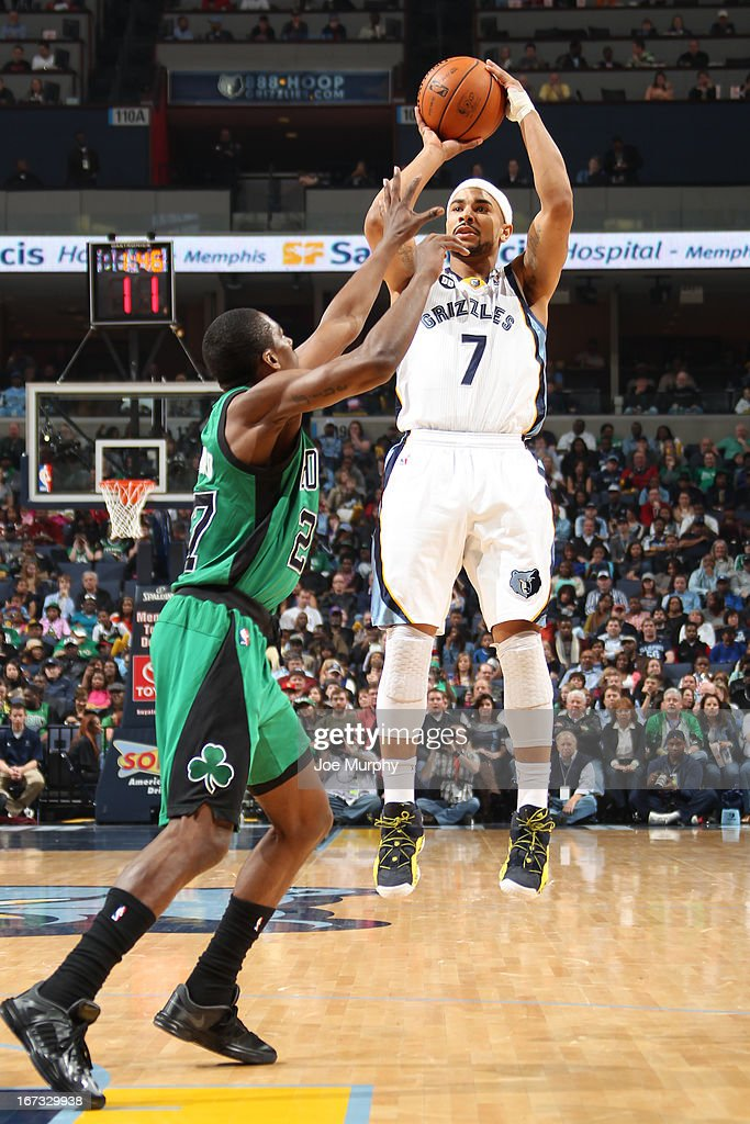 <a gi-track='captionPersonalityLinkClicked' href=/galleries/search?phrase=Jerryd+Bayless&family=editorial&specificpeople=4216027 ng-click='$event.stopPropagation()'>Jerryd Bayless</a> #7 of the Memphis Grizzlies shoots the ball against the Boston Celtics on March 23, 2013 at FedExForum in Memphis, Tennessee.