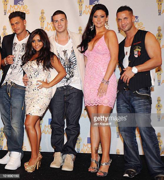 Jersey Shore's Pauly 'Pauly D' Del Vecchio Nicole 'Snooki' Polizzi Vinny Guadagnino Jenni 'JWoww' Farley and Mike 'The Situation' Sorrentino pose at...
