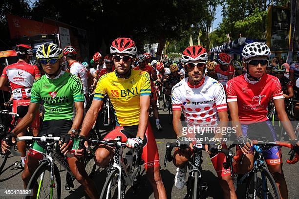 Jersey winners of stage 4 Cris Joven of Team 7 Eleven Roadbike Phillipine Amir Zargari of Pishgaman Yazd Iran Ramin Mehrbaniazar of Pishgaman Yazd...
