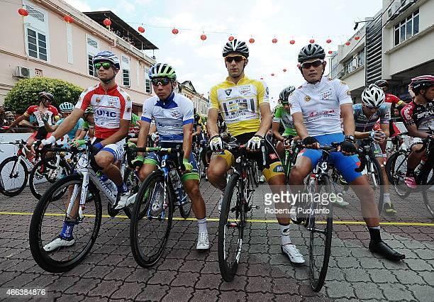 Jersey's winner Kiel Reijnen of United Health Care Pro Cycling Caleb Ewan of Orica Greenedge Youcef Reguigui of MTNQhubeka and Tomohiro Hayakawa of...