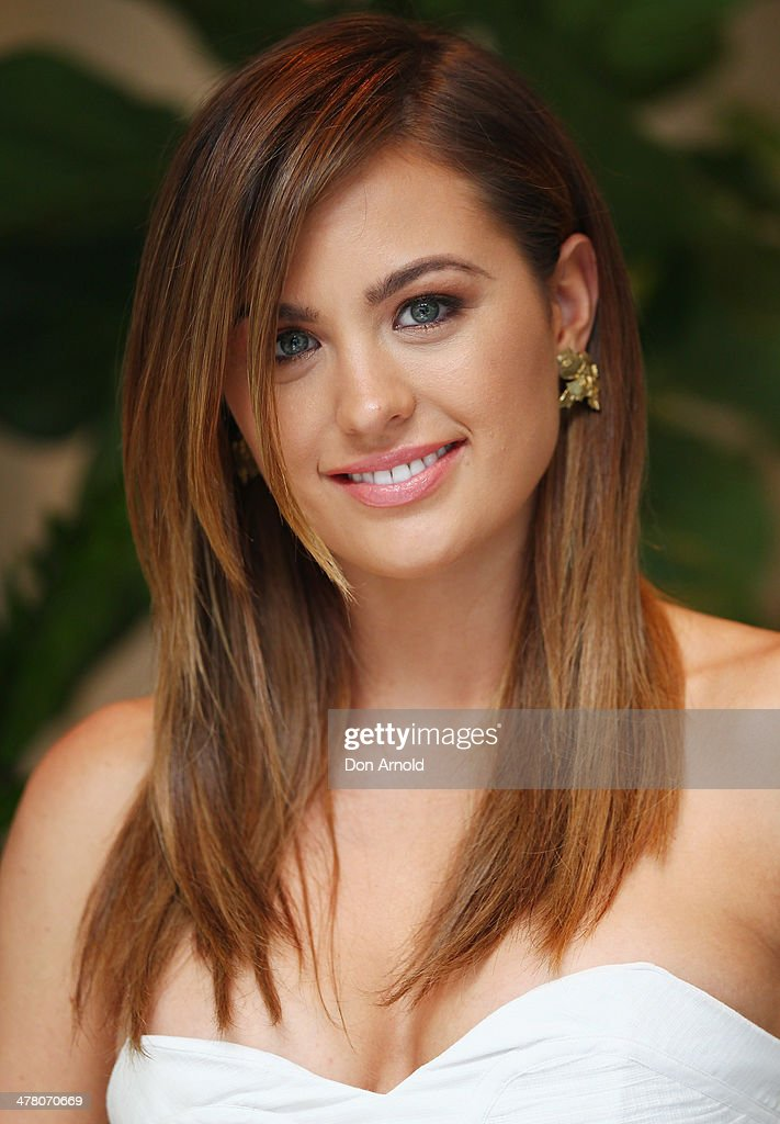 Jesinta Campbell poses at the Foxtel Presto launch at the Ivy on March 12, 2014 in Sydney, Australia.