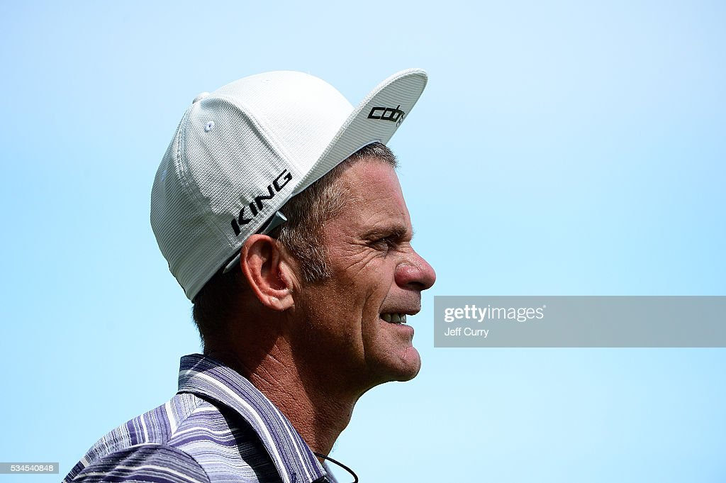 <a gi-track='captionPersonalityLinkClicked' href=/galleries/search?phrase=Jesper+Parnevik&family=editorial&specificpeople=171510 ng-click='$event.stopPropagation()'>Jesper Parnevik</a> of Sweden walks to the 16th green during the first round 2016 Senior PGA Championship presented by KitchenAid at the Golf Club at Harbor Shores on May 26, 2016 in Benton Harbor, Michigan.