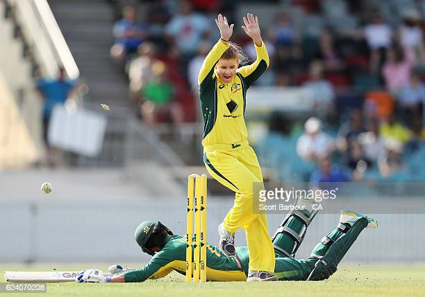 Jess Jonassen of the Australian Southern Stars appeals unsuccessfully to run out Marizanne Kapp of South Africa during the women's one day...