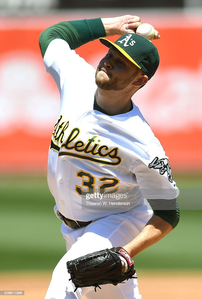 <a gi-track='captionPersonalityLinkClicked' href=/galleries/search?phrase=Jesse+Hahn&family=editorial&specificpeople=12495165 ng-click='$event.stopPropagation()'>Jesse Hahn</a> #32 of the Oakland Athletics pitches against the Houston Astros in the top of the second inning at O.co Coliseum on April 30, 2016 in Oakland, California.