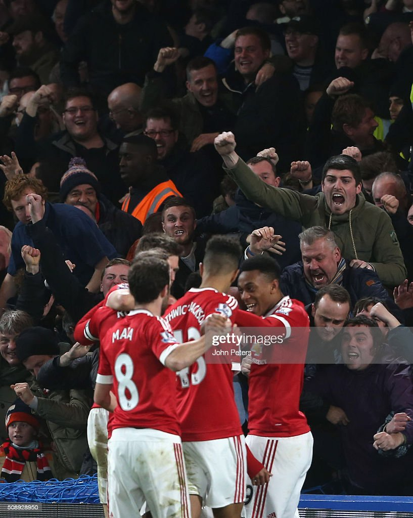 <a gi-track='captionPersonalityLinkClicked' href=/galleries/search?phrase=Jesse+Lingard&family=editorial&specificpeople=7601596 ng-click='$event.stopPropagation()'>Jesse Lingard</a> (hidden) of Manchester United celebrates scoring their first goal during the Barclays Premier League match between Chelsea and Manchester United at Stamford Bridge on February 7 2016 in London, England.