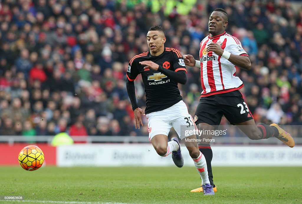 <a gi-track='captionPersonalityLinkClicked' href=/galleries/search?phrase=Jesse+Lingard&family=editorial&specificpeople=7601596 ng-click='$event.stopPropagation()'>Jesse Lingard</a> of Manchester United in action with Lamine Kone of Sunderland during the Barclays Premier League match between Sunderland and Manchester United at Stadium of Light on February 13, 2016 in Sunderland, England.