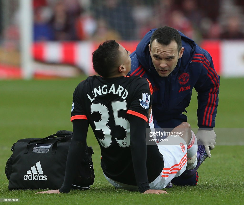 <a gi-track='captionPersonalityLinkClicked' href=/galleries/search?phrase=Jesse+Lingard&family=editorial&specificpeople=7601596 ng-click='$event.stopPropagation()'>Jesse Lingard</a> of Manchester United receives treatment on an injury during the Barclays Premier League match between Sunderland and Manchester United at Stadium of Light on February 13, 2016 in Sunderland, England.