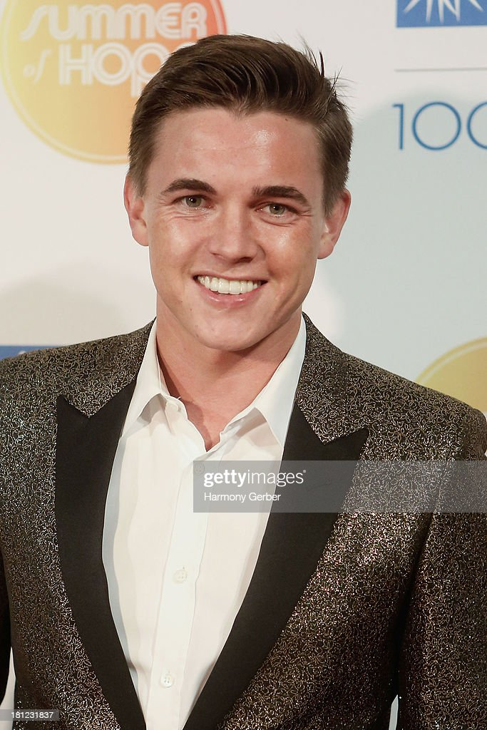 <a gi-track='captionPersonalityLinkClicked' href=/galleries/search?phrase=Jesse+McCartney&family=editorial&specificpeople=204133 ng-click='$event.stopPropagation()'>Jesse McCartney</a> attends the City of Hope's 2013 Spirit of Life Gala at The Hercules Campus on September 19, 2013 in Playa Vista, California.