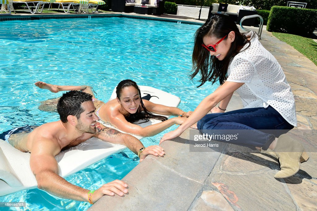 <a gi-track='captionPersonalityLinkClicked' href=/galleries/search?phrase=Jesse+Metcalfe&family=editorial&specificpeople=208805 ng-click='$event.stopPropagation()'>Jesse Metcalfe</a>, <a gi-track='captionPersonalityLinkClicked' href=/galleries/search?phrase=Cara+Santana&family=editorial&specificpeople=4311902 ng-click='$event.stopPropagation()'>Cara Santana</a> and <a gi-track='captionPersonalityLinkClicked' href=/galleries/search?phrase=Jamie+Chung&family=editorial&specificpeople=4145549 ng-click='$event.stopPropagation()'>Jamie Chung</a> attend the GUESS Hotel at the Viceroy Palm Springs on April 12, 2014 in Palm Springs, California.