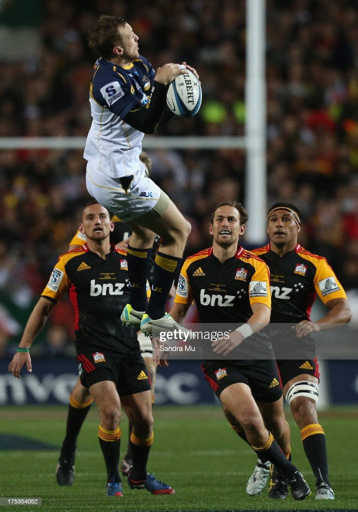 <a gi-track='captionPersonalityLinkClicked' href=/galleries/search?phrase=Jesse+Mogg&family=editorial&specificpeople=8908103 ng-click='$event.stopPropagation()'>Jesse Mogg</a> of the Brumbies takes the high ball during a Super Rugby Final match between the Chiefs and the Brumbies at Waikato Stadium on August 3, 2013 in Hamilton, New Zealand.
