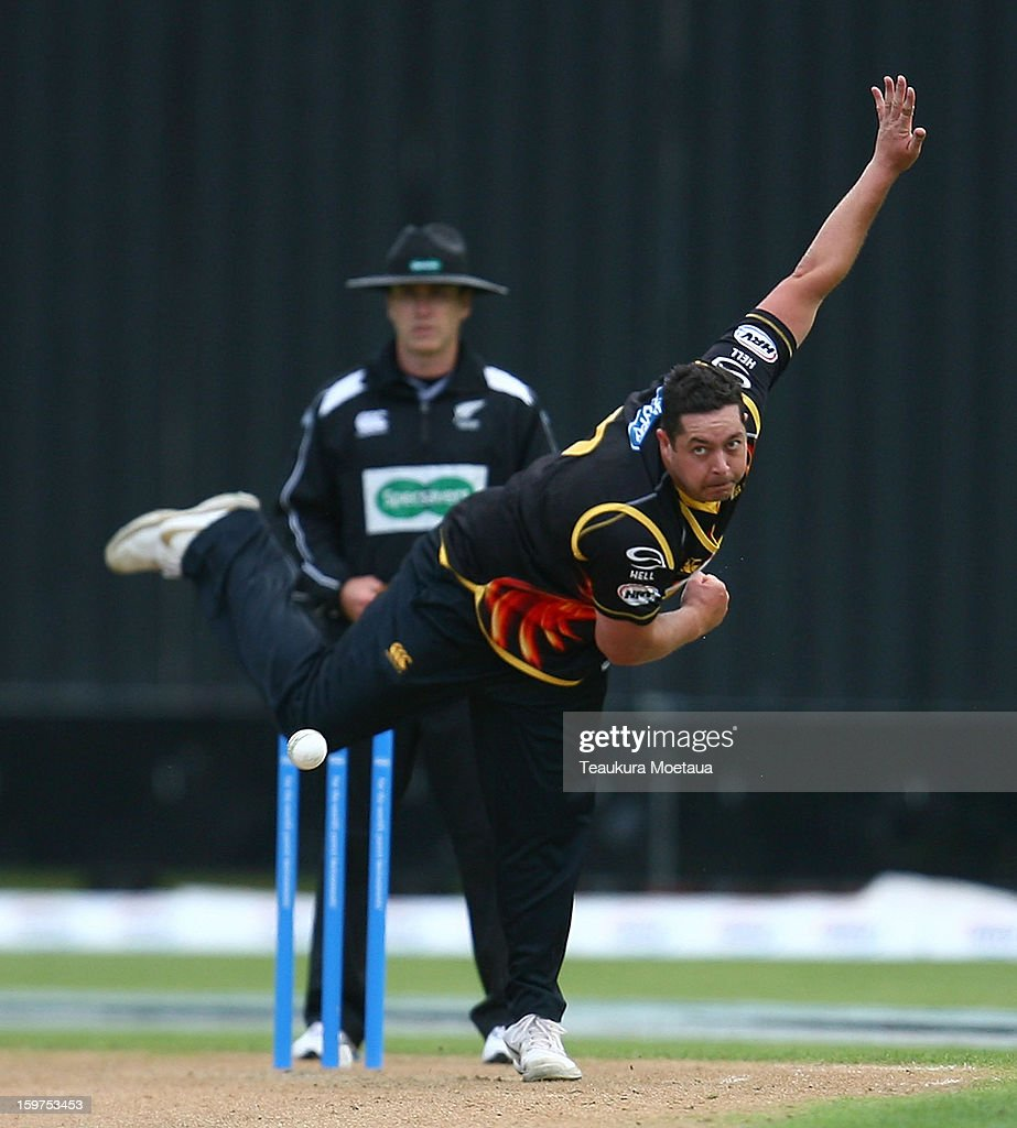 <a gi-track='captionPersonalityLinkClicked' href=/galleries/search?phrase=Jesse+Ryder&family=editorial&specificpeople=795832 ng-click='$event.stopPropagation()'>Jesse Ryder</a> of Wellington bowls during the HRV T20 Final match between the Otago Volts and the Wellington Firebirds at University Oval on January 20, 2013 in Dunedin, New Zealand.