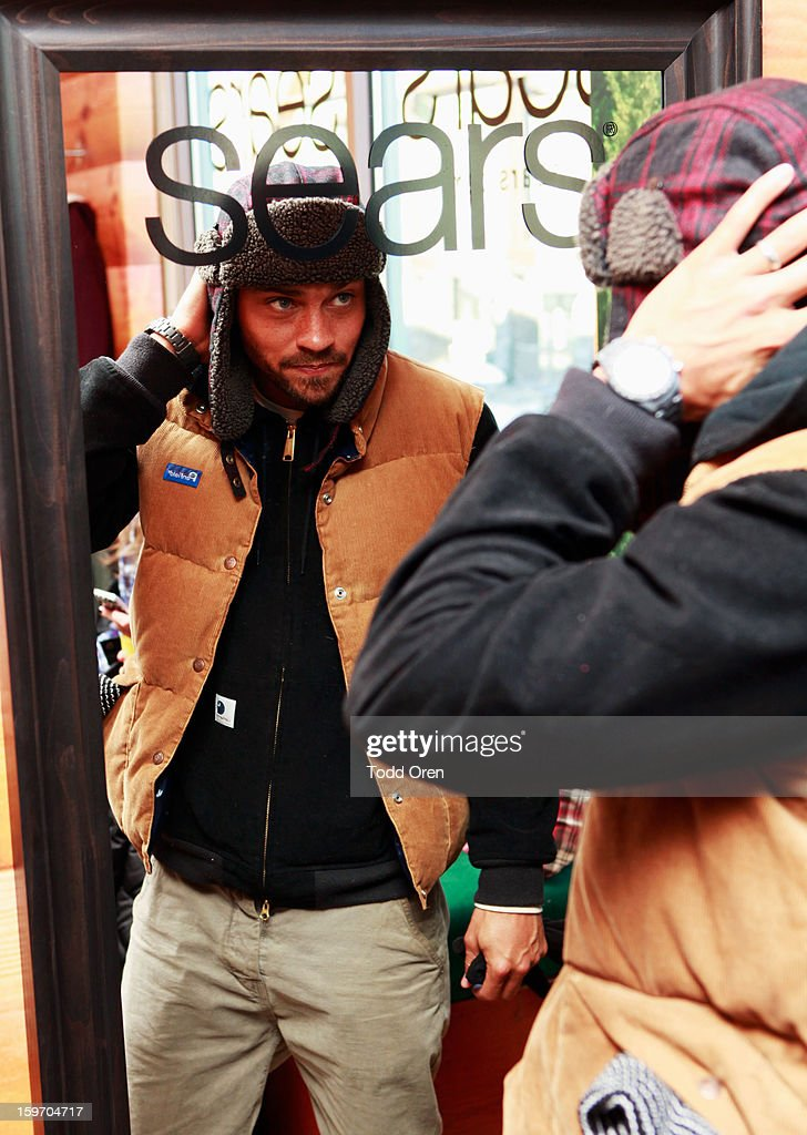 Jesse Williams attends Sears Shop Your Way Digital Recharge Lounge on January 18, 2013 in Park City, Utah.